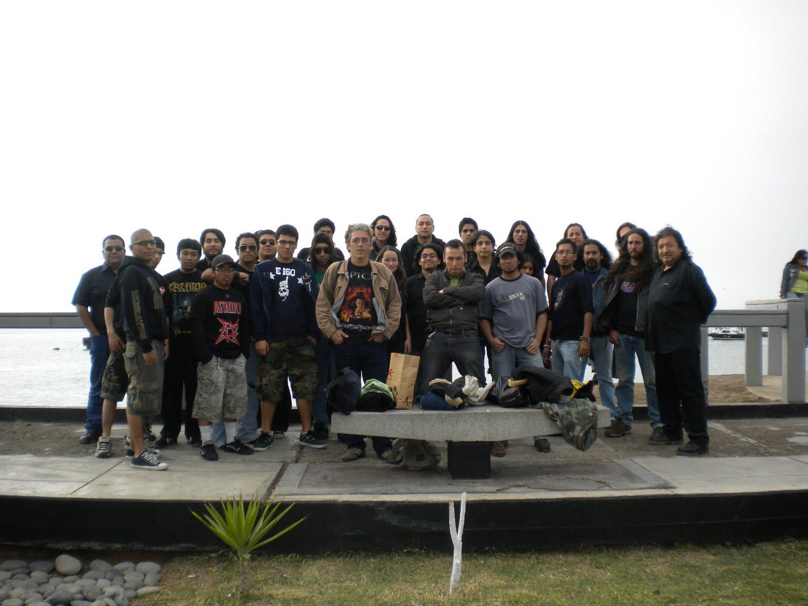 Sesión de fotos del domingo 29 de noviembre 2009 con los grupos participantes del CD COMPILADO SONIDOS LATENTES DEL CALLAO VOL. I.